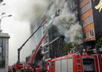 Vì sao chủ quán karaoke cháy 13 người chết bị khởi tố?