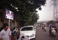 Hà Nội: Lắp bảng LED để tuyên truyền luật, có hiệu quả?