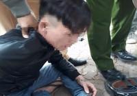 Phóng viên giúp cảnh sát quật ngã đối tượng khả nghi