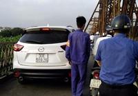 Tước giấy phép tài xế lái ô tô lên cầu Long Biên