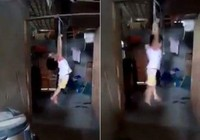 Mẹ nuôi treo con gái 5 tuổi lơ lửng trên xà nhà