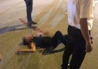 Bắt 2 nghi can đâm gục thanh niên trên phố