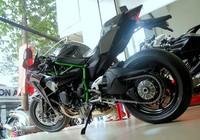 Cận cảnh siêu môtô Ninja H2 đầu tiên về Việt Nam