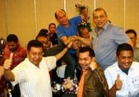 """Tân chủ tịch La Nyalla vô hiệu """"ngòi nổ"""" cho bóng đá Indonesia"""