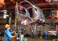 """Ngành công nghiệp ôtô Việt Nam với """"cơn bão"""" xe nhập khẩu"""