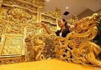 Cận cảnh ngai vàng được dát từ 20.000 tấm vàng miếng