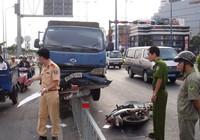 Kỹ năng lái xe an toàn cạnh xe Container, xe tải nặng