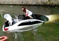 Kinh nghiệm thoát hiểm khi xe rơi xuống nước