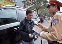 Có GPLX ô tô, sao vẫn bị phạt khi lái xe máy?