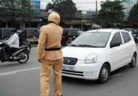 Không có giấy phép lái xe thì có bị tạm giữ xe?