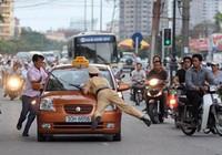 Ô tô lạng lách, đánh võng trên đường, phạt thế nào?