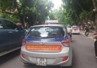 Sở GTVT Hà Nội yêu cầu các hãng taxi gỡ khẩu hiệu