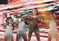 40 sao 'khủng' làng nhạc Việt cùng 'Chào 2016'