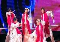 Sao Mai Hồng Duyên 'thổi' acoustic, jazz vào dân ca