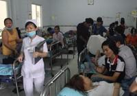 Gần 400 công nhân nhập viện cấp cứu sau bữa ăn trưa