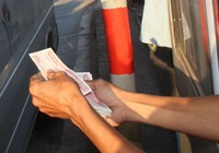 Trạm BOT Biên Hòa lại xuất hiện tài xế dùng tiền lẻ