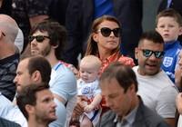 Vợ Rooney một nách ba con đến Pháp cổ vũ chồng