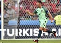 Ronaldo lập hàng loạt kỷ lục sau trận hòa 3-3 với Hungary