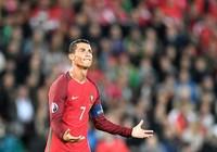 Andre Gomes mong chờ Ronaldo nhả đạn