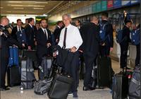 Mourinho cùng 25 tuyển thủ M.U lên đường sang Trung Quốc