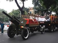 Linh cữu Chủ tịch nước Trần Đại Quang đưa qua nhiều tuyến phố