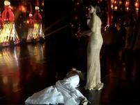 Tân Hoa hậu Hòa bình Quốc tế ngất xỉu khi vừa được xướng tên