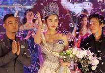 Hoa hậu bị chê xấu gây bất ngờ tại đường sách