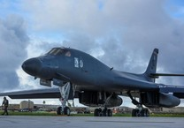 Máy bay ném bom Mỹ tập trận với Nhật gần Senkaku