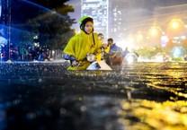 Mùa mưa xem ảnh 'Mưa' đoạt giải Street Photography