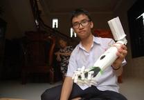 Hàng xóm vui mừng đón Phạm Huy thi Quốc tế trở về