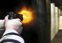Cãi nhau về chỗ đậu, tài xế nổ súng vào taxi ở Gò Vấp