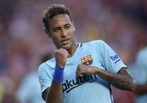 Giữa tâm bão, Neymar ghi bàn giúp Barca đánh bại MU
