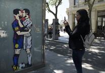 Chủ tịch Real: La Liga chán chết nếu vắng Barcelona