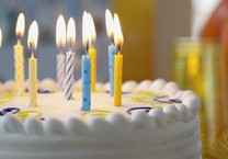Thổi nến bánh sinh nhật là một hình thức gây bệnh