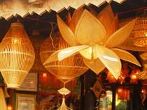 Chiêm ngưỡng thao tác nghệ nhân các làng nghề truyền thống