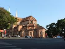 Đường phố Sài Gòn thanh bình, thông thoáng trong dịp Lễ