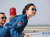 Những 'phi công chân dài' trong lực lượng Không quân Trung Quốc