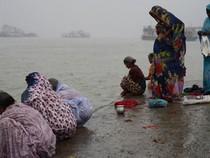Sốc: Phát hiện 80 thi thể nổi trôi trên sông