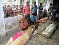 Giẫm đạp nhau tranh đồ từ thiện: 23 người chết