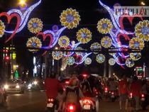 Đường phố Sài Gòn rực rỡ trước thềm năm mới