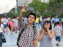 Phố đi bộ Nguyễn Huệ ngày đầu mở cửa