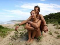 Hàng trăm du khách đổ về Nam Phi tắm khỏa thân