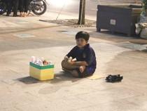 0 giờ sáng, phố đi bộ Nguyễn Huệ có gì?