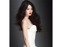 Linh Chi khoe táo bạo