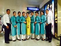 Cùng ngắm 6 lần thay đổi đồng phục của tiếp viên Vietnam Airlines