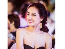 Mai Phương Thúy khoe vai thon