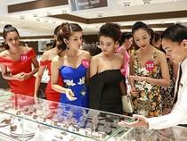 Người đẹp 'Hoa hậu Hoàn vũ VN' đồng loạt khoe vai trần