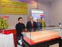 Bảo tàng Lịch sử Quốc gia nhận độc bản Tổng Tập Sắc Phong Việt Nam