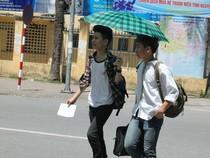Sĩ tử khăn gói lên Hà Nội dự thi tốt nghiệp