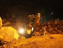 Sập mỏ đá Thanh Hóa: Vẫn hy vọng hai công nhân mất tích còn sống